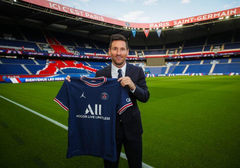 París celebra la llegada de su nuevo rey Leo Messi