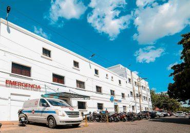 Video | Incendio en clínica de La Romana provoca evacuar pacientes por ventanas