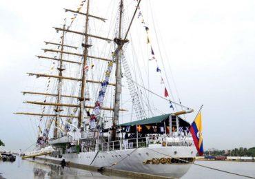 Buque Escuela ARC Gloria de Colombia llega Santo Domingo