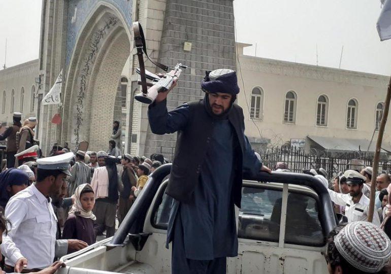 Talibanes toman el control de Mazar-i-Sharif, gran ciudad del norte de Afganistán