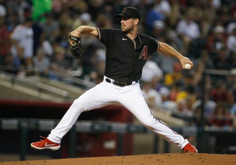 Tyler Gilbert lanza un juego sin hit en su debut en MLB