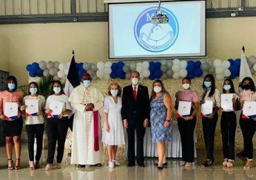 MESCYT y Fundación MIR becarán estudiantes de escasos recursos de La Romana