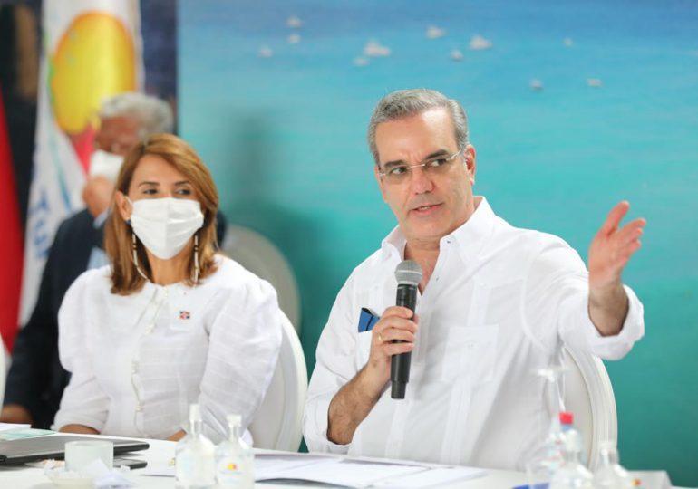 Abinader asegura tercera dosis ha salvado vidas en el país