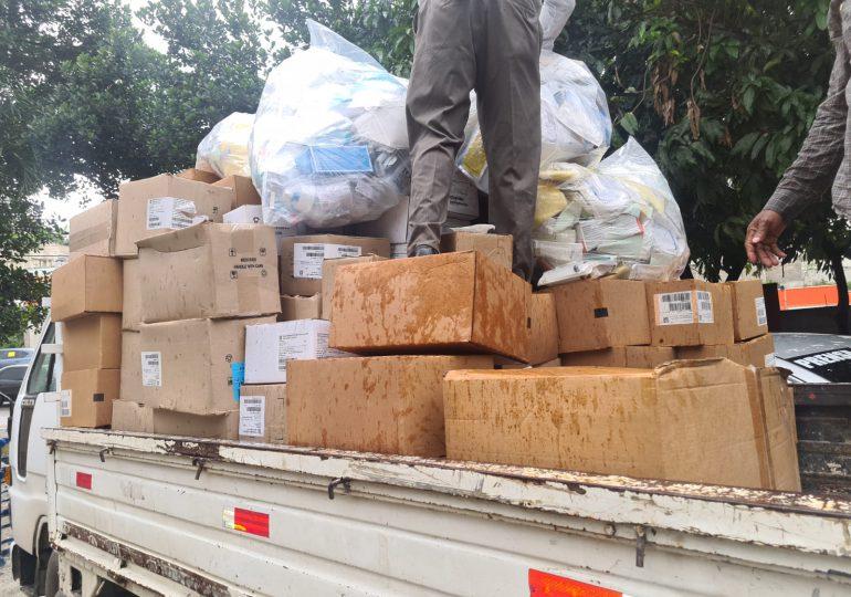 Fundación Cruz Jiminián envía camiones de medicamentos, camas y ropa para Haití
