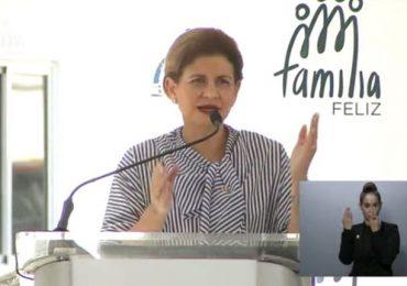 Raquel Peña encabeza entrega de apartamentos del Plan de Vivienda Familia Feliz en Azua
