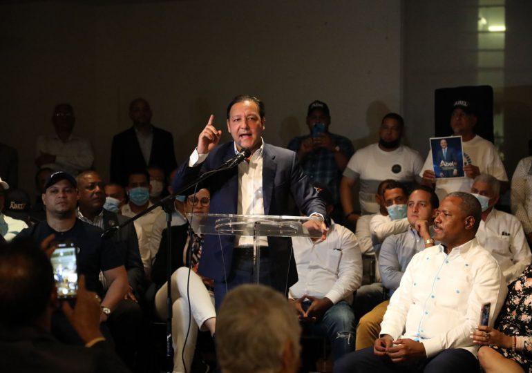 Abel Martínez reafirma su compromiso con los dominicanos en el exterior