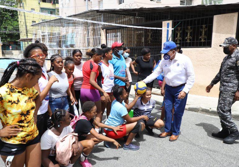 Consejo Nacional de Drogas lleva programa preventivo, deportivo y de salud al barrio Guachupita