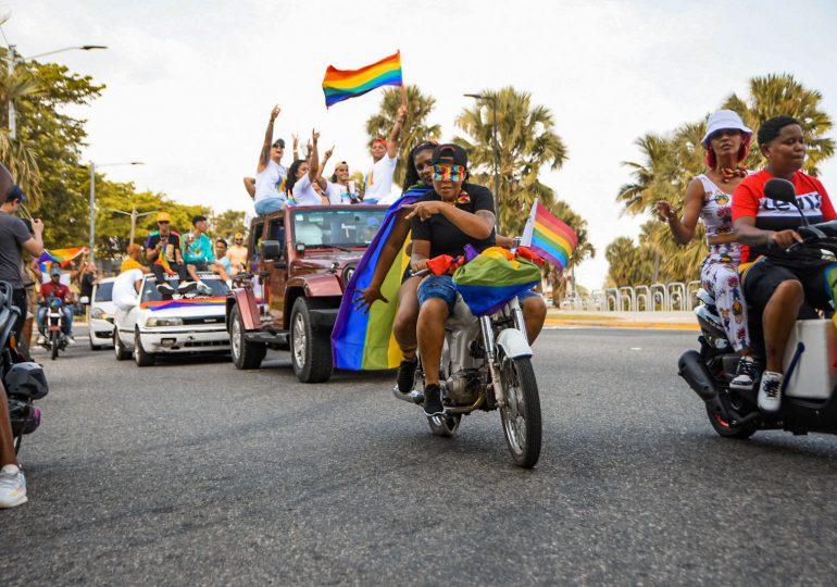 """""""Sólo un Estado laico nos haría libre"""", fue el mensaje del colectivo GLBTIQ en su tradicional Caravana del Orgullo"""
