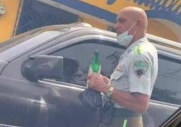 DIGESETT investiga a oficial que aparece con cerveza en las redes sociales