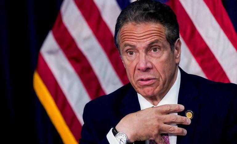 """Acusadora de Cuomo sale del anonimato y pide que el gobernador de NY """"rinda cuentas"""""""
