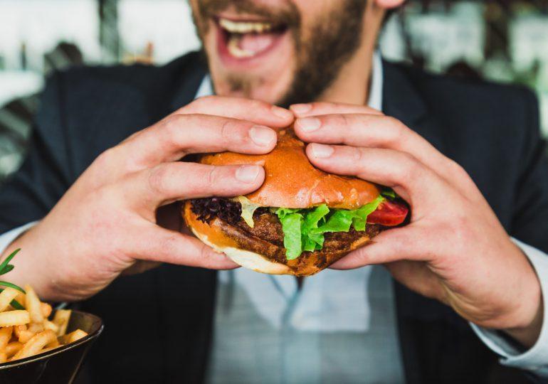 ¿Por qué el cerebro es adicto a la comida ultraprocesada y qué funciones puede alterar?
