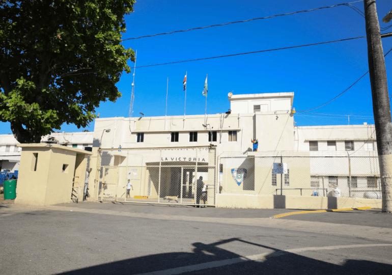 Asuntos Penitenciarios destina 600 colchones, un camión recolector de basura y una ambulancia a cárcel de La Victoria
