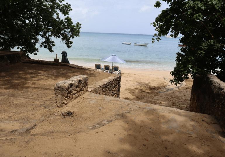 CORAAPPLATA resuelve  avería inusitada de agua residual en playa Sosúa