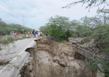MOPC dispone reconstrucción de cinco puentes colapsados por depresión Grace en Barahona