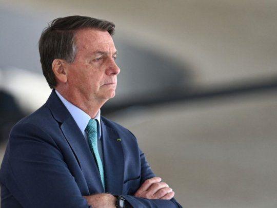 Bolsonaro participa en inédito desfile de tanques militares en Brasilia