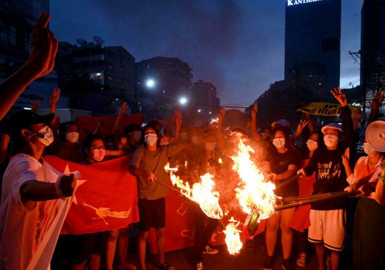 Se cumplen seis meses del golpe de Estado en Birmania, azotada por el coronavirus