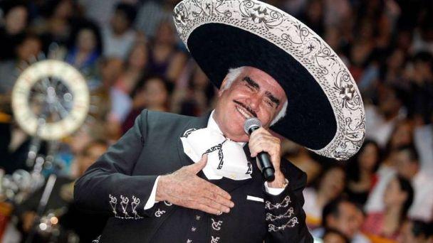 Cantante Vicente Fernández en estado grave pero  estable