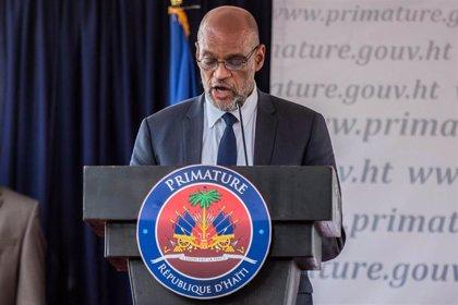 "Primer ministro de Haití promete elecciones ""lo antes posible"" a pesar de sismo"