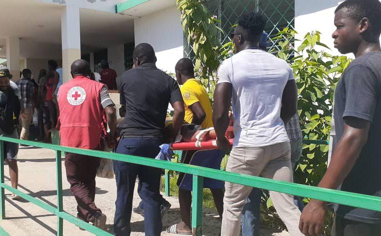 Terremoto en Haití | Heridos abarrotan hospital Saint-Antoine de Jérémie
