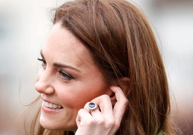 ¿Kate Middleton modificó su anillo de compromiso? Los expertos aseguran que sí
