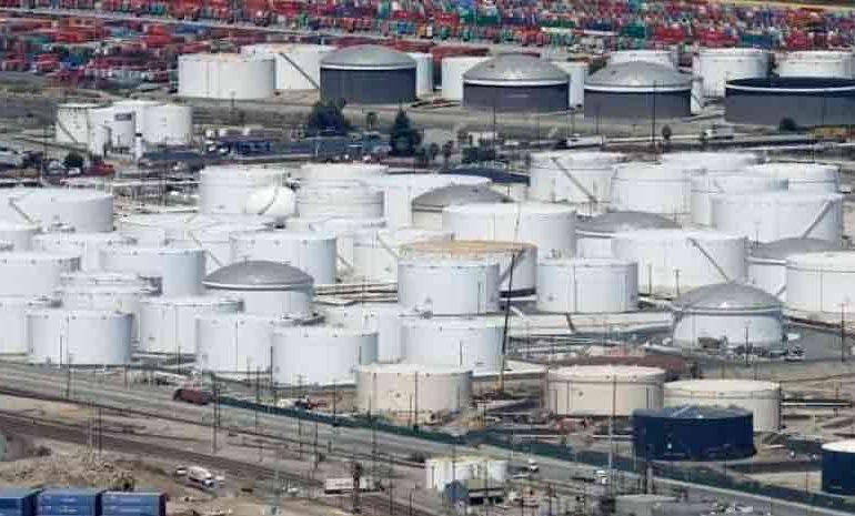EEUU: reservas comerciales de crudo aumentan sorpresivamente