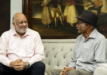 Personalidades se solidarizan con ministro de Educación por muerte de su padre