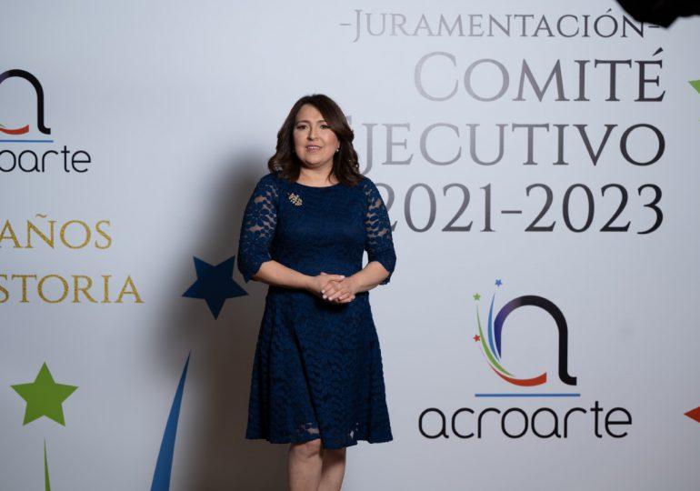 Emelyn Baldera asume presidencia de Acroarte; anuncia la cátedra Johnny Ventura