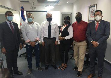 Defensor del Pueblo solicitar a Medio Ambiente atender caso de empresa de reciclaje en Haina