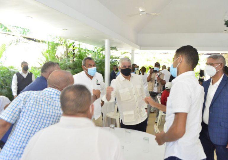 Miguel Vargas advierte peligro de incumplir promesas; Reclama obras para Santiago
