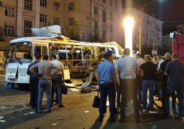 Explosión a bordo de un bus deja un muerto y al menos 17 heridos en Rusia
