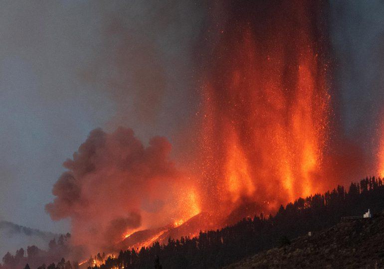 Masiva evacuación en España: más de 5,000 personas fueron desalojadas por erupción del volcán en la isla de La Palma