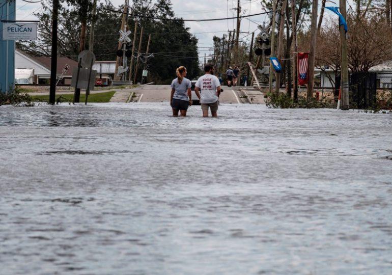 Suben a 23 los muertos por el paso del huracán Ida en el noreste de EE.UU
