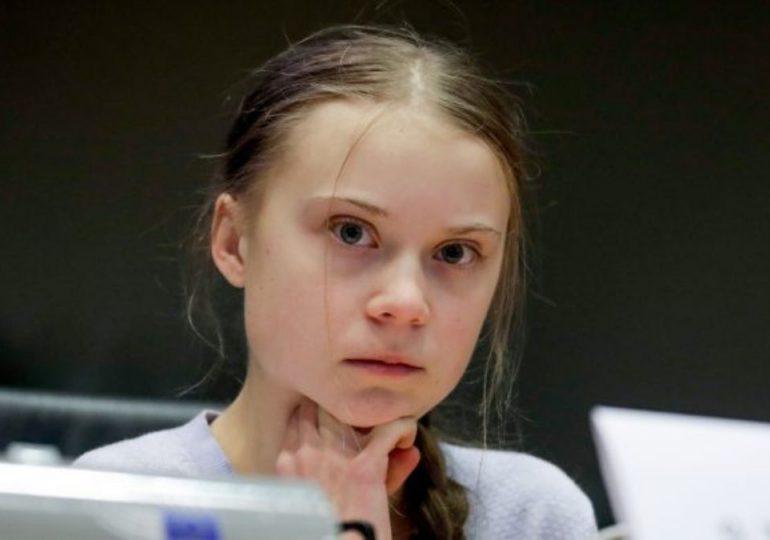 """Greta Thunberg tilda de """"vergonzosa"""" la actitud de líderes de Brasil hacia el medioambiente"""