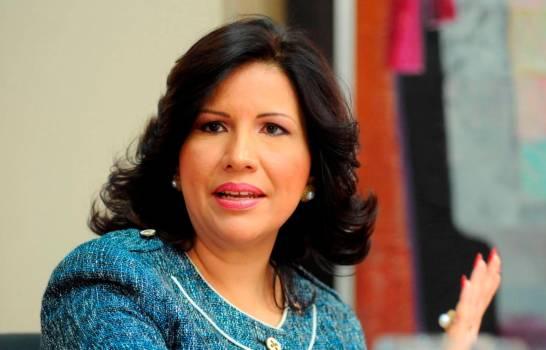 Margarita Cedeño pierde en juego de dominó en Santo Domingo Este