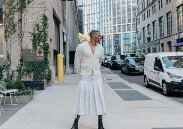 VIDEO   El jugador de los Ángeles Lakers, Russell Westbrook, modela en falda