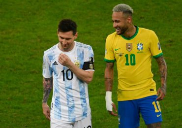 Brasil-Argentina, la cumbre del fútbol con Neymar y Messi en un premundial en llamas