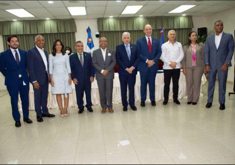"""Indotel presenta """"Proyectos de conectividad para la transformación digital de la República Dominicana"""" a diputados y senadores"""