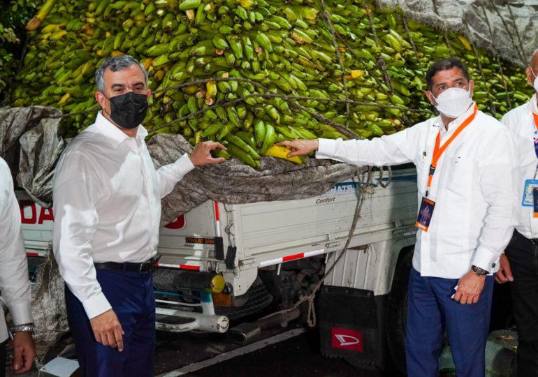 Inespre vende plátanos a un peso y pollos a 140 en Expo Cibao 2021