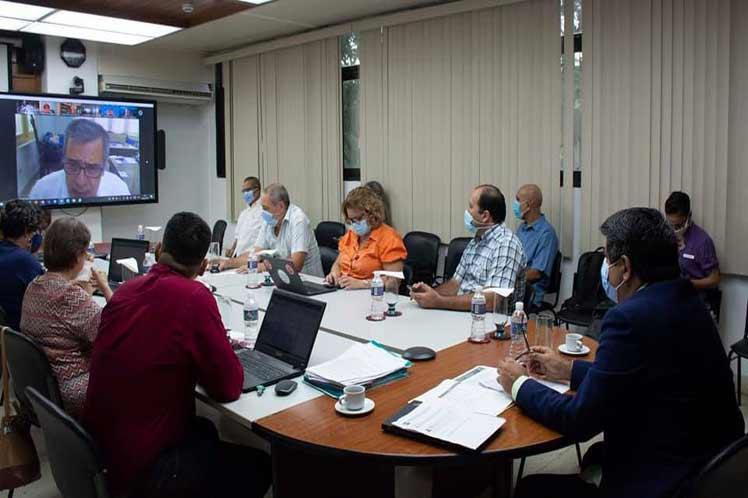 Científicos de Cuba presentan a OMS resultado de vacunas anticovid-19