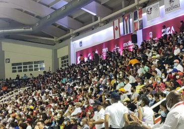 Video |  A casa llena el Pabellón de Voleibol Ricardo Gioriver Arias en final de Copa Panamericana