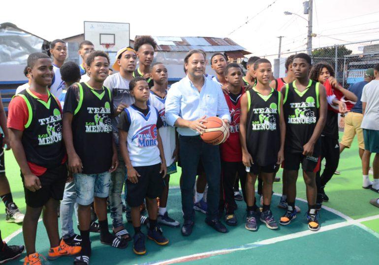 Alcaldía Santiago entrega casa club y cancha mixta en barrio Camboya