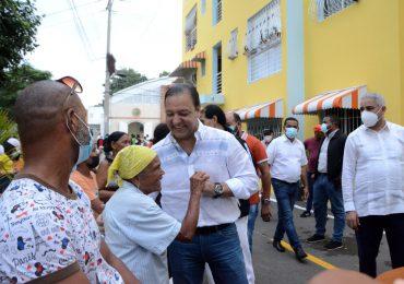 Abel Martínez entrega obra de embellecimiento en sector Los Pepines