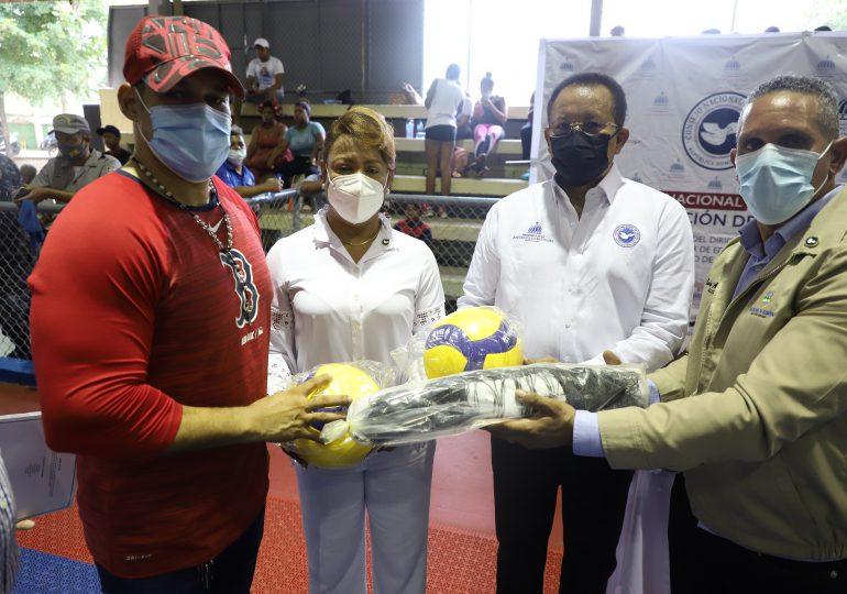 Consejo Nacional de Drogas lleva a Maimón programa de Integración Social para una Vida Sana