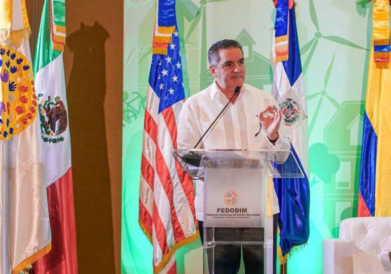 Neney Cabrera plantea alianza público-privada para solución integral de los desechos sólidos