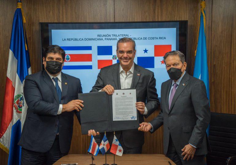 Abinader sostiene reunión conjunta con sus homólogos de Panamá y Costa Rica