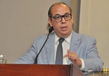 Abogado Jorge Prats explica los peligros de reformar la Constitución