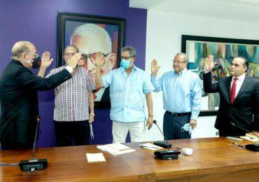 Juramentan miembros del Consejo Consultivo PLD