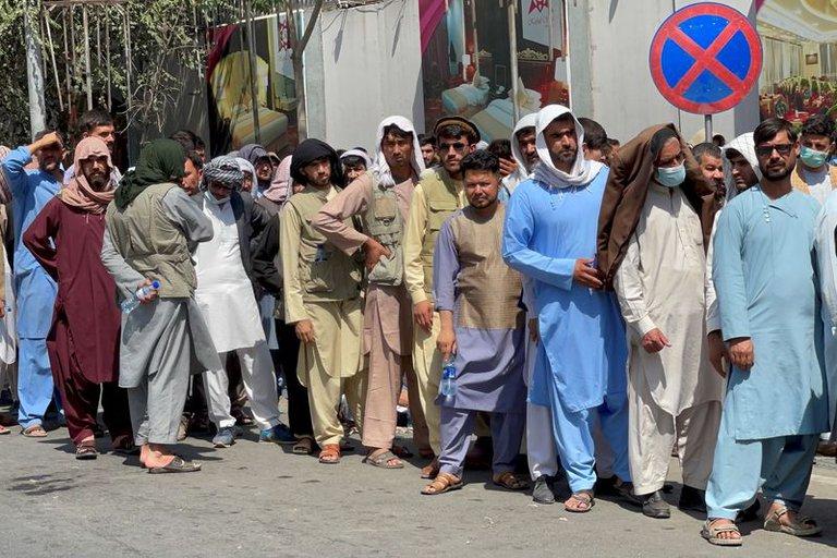 Talibanes ocuparon sede del organismo independiente que monitorea los derechos humanos en Afganistán