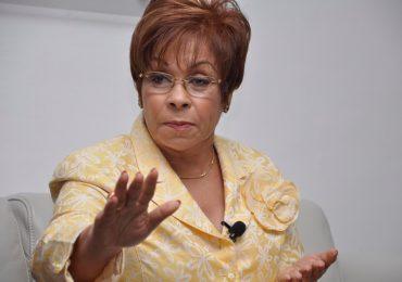 Lila Alburquerque negada a que diputados vinculados en Operación Falcón sigan asistiendo al Congreso