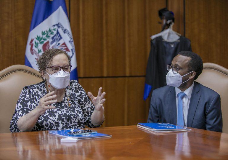 Miriam Germán Brito se reúne con fiscales que trabajan la Operación Falcón